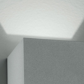 Led-W-Alfa/2W - Applique Led Di Colore Silver Dalla Forma Cubica 4 Watt 3000 Kelvin