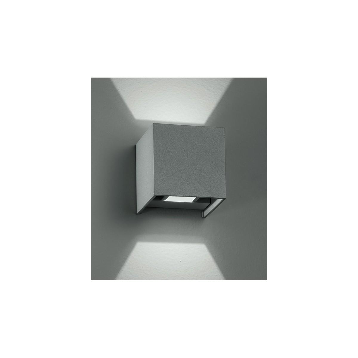 Led-W-Alfa / 2W - Applique murale à led argentée avec forme cubique 4 Watt 3000 Kelvin