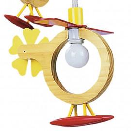 Lumières décorées par la ligne d'hélices d'hélicoptères en bois