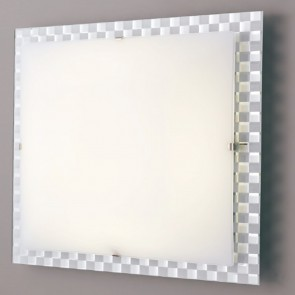Le cadre d'échecs en verre blanc...